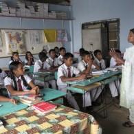 In the classroom, Dambatenne